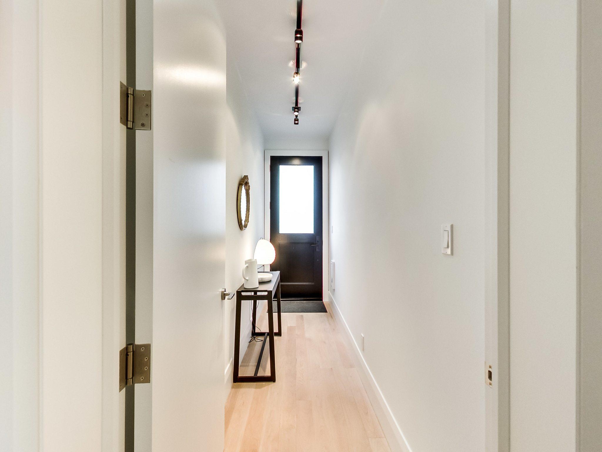 toronto-condo-for-sale-110-palmerston-avenue-2