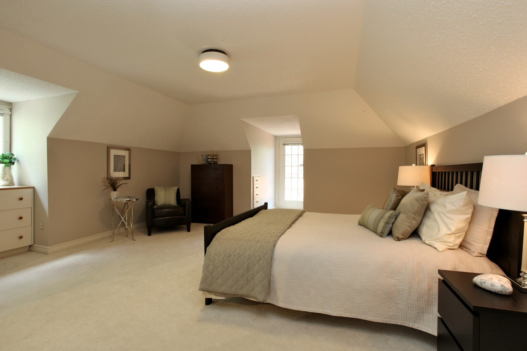 toronto-condo-for-sale-67-alvin-avenue-11