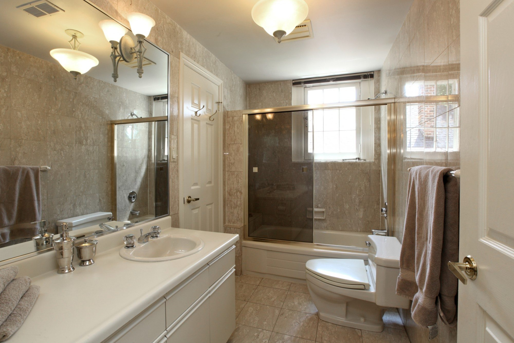 toronto-condo-for-sale-67-alvin-avenue-9