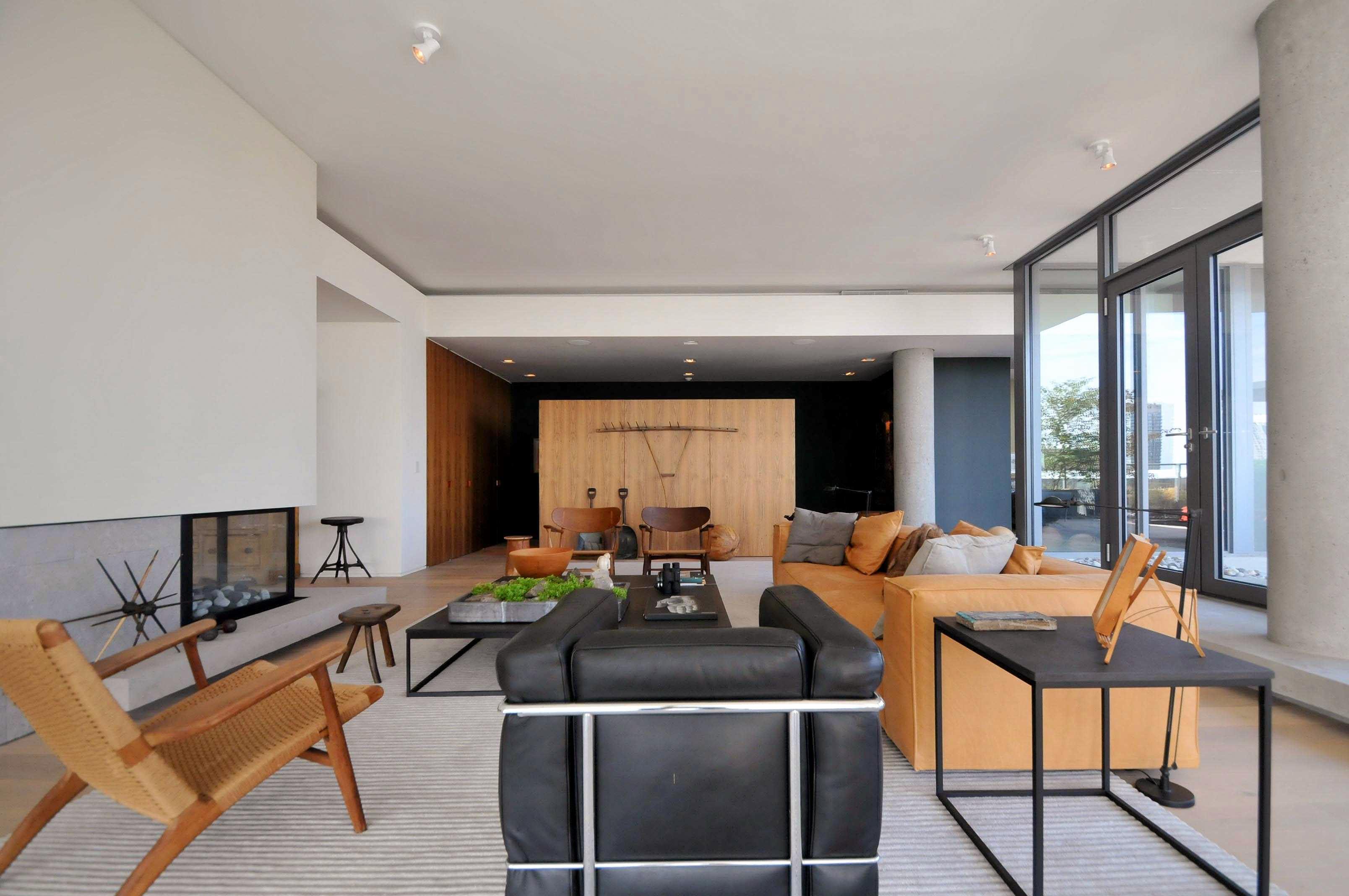 toronto-condo-for-sale-95-bathurst-street-3