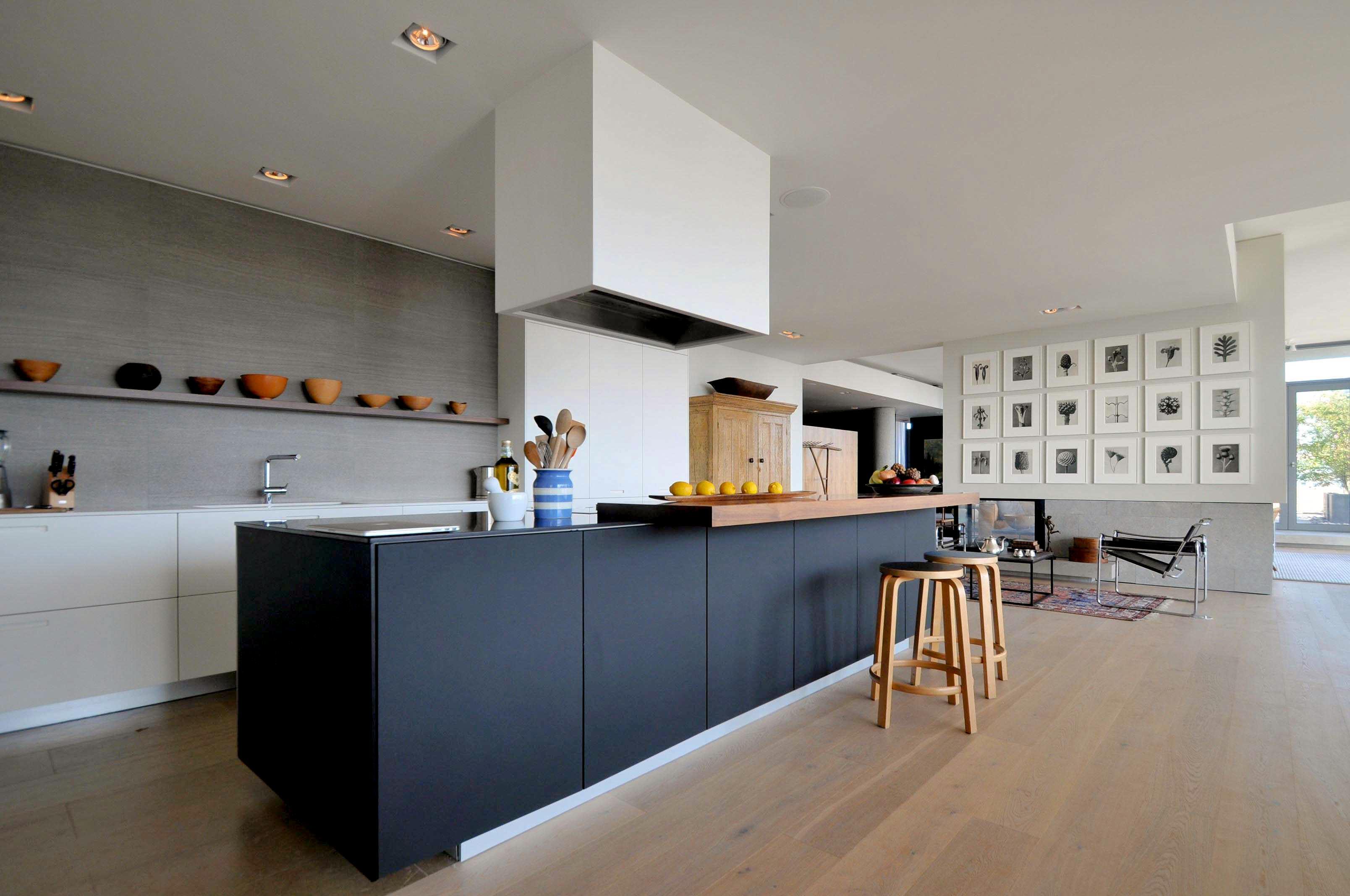 toronto-condo-for-sale-95-bathurst-street-4