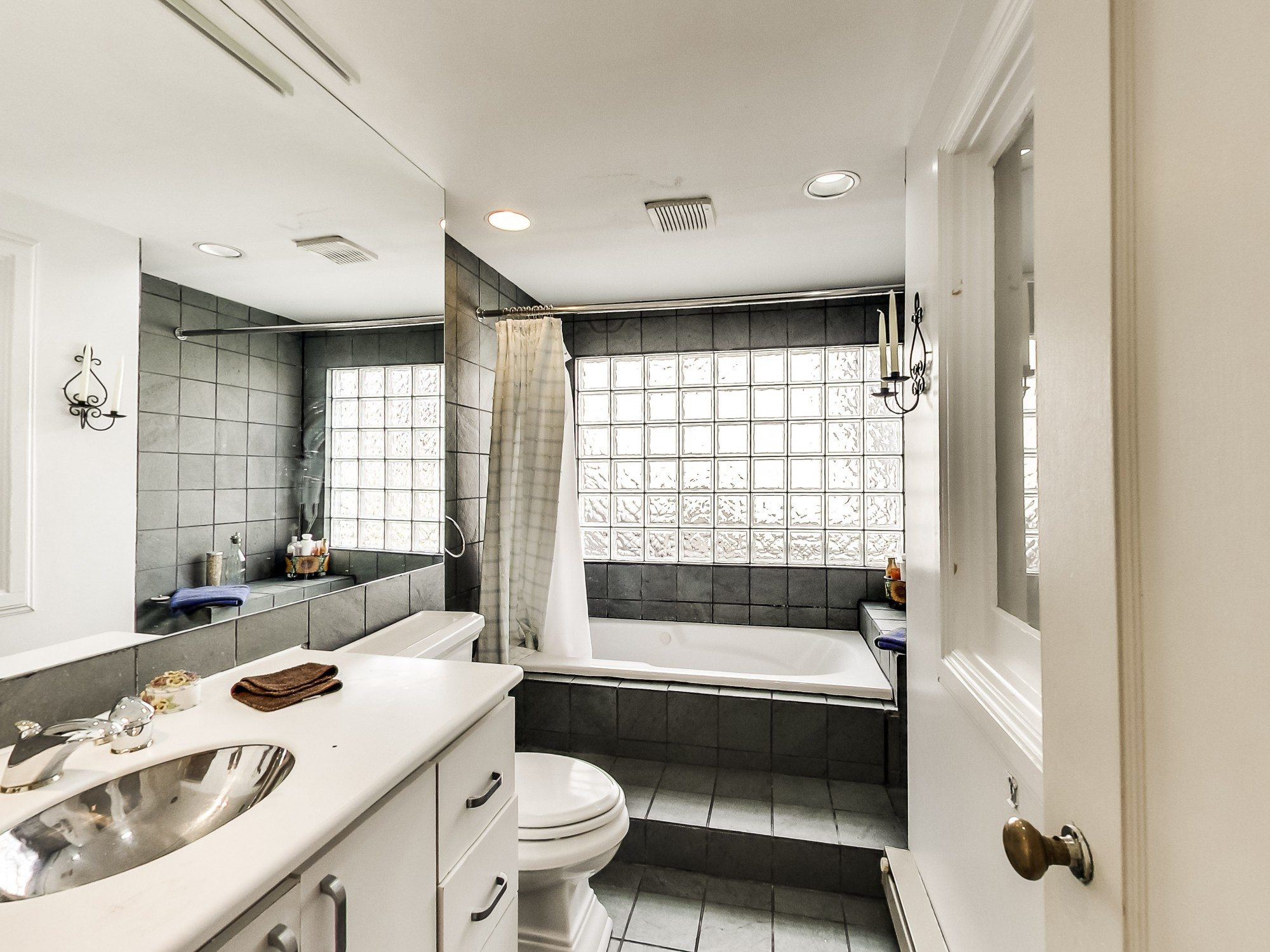 toronto-house-for-sale-129-imperial-street-11