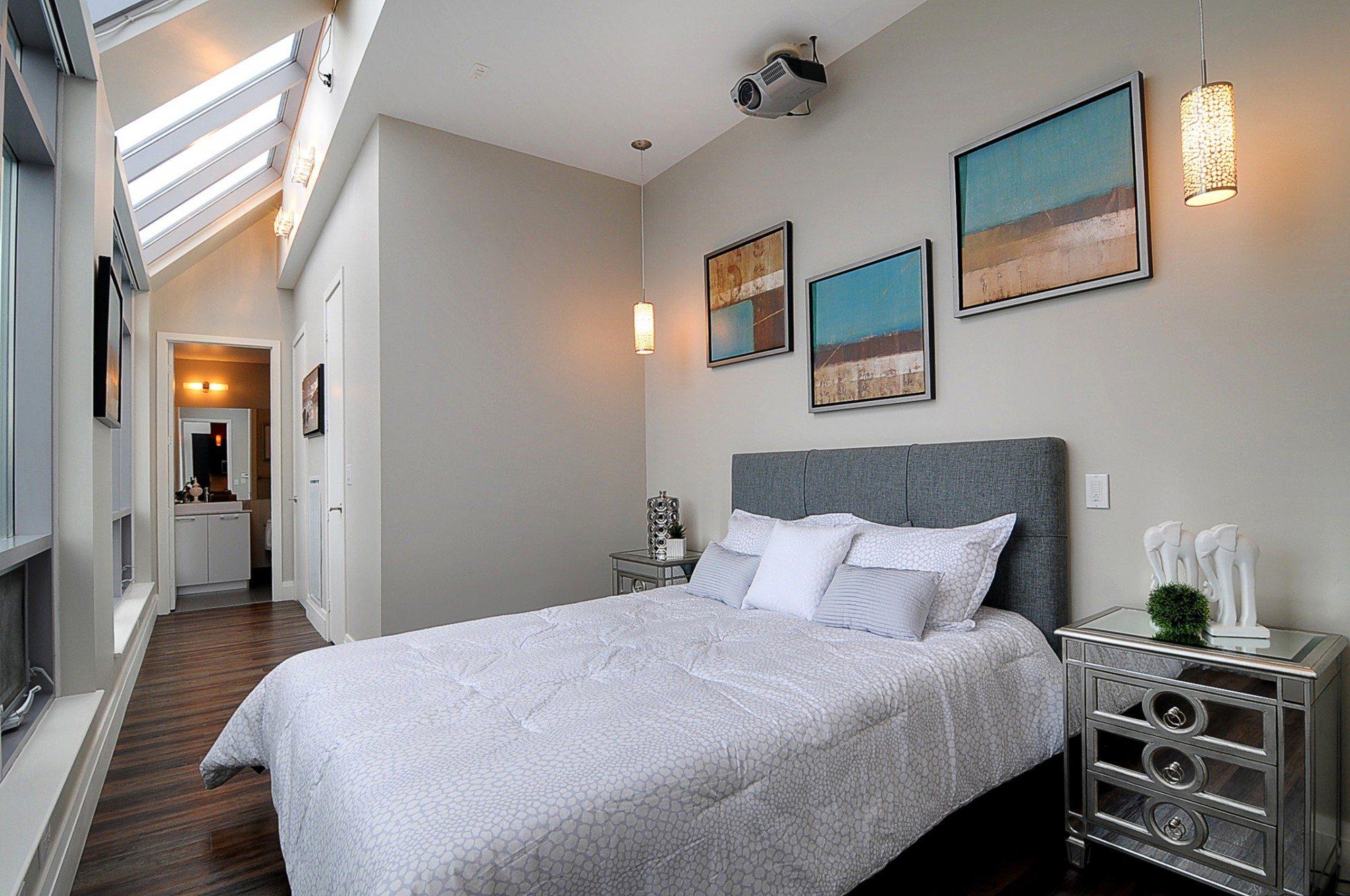 toronto-condo-for-sale-399-adelaide-street-west-bedroom
