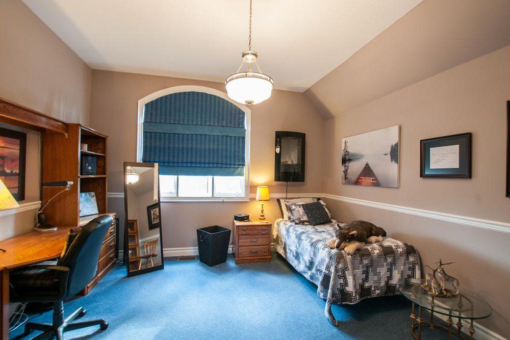 toronto-house-for-sale-25-great-oak-drive-10