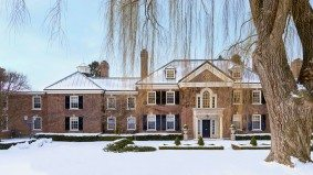 Conrad Black may not be able to sell his house until he pays $15 million in back taxes