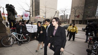 Three criminal defence lawyers talk about Jian Ghomeshi's first week in court