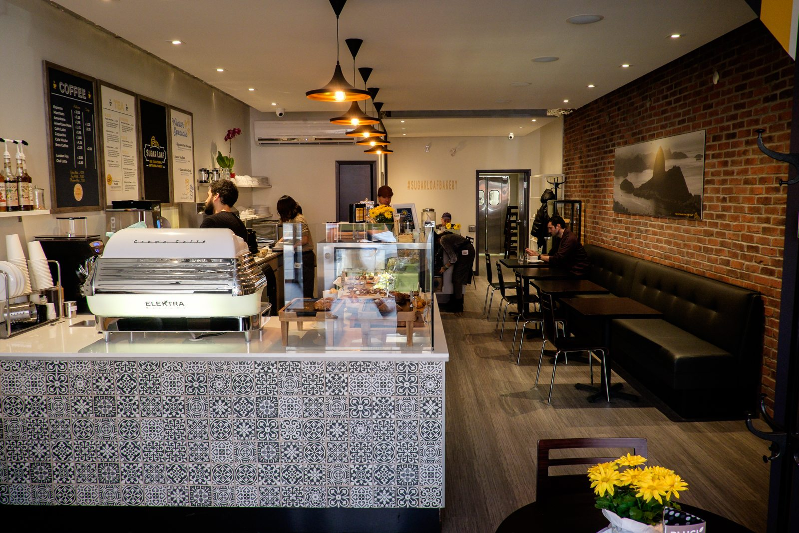 toronto-bakeries-cafes-sugar-loaf-bakery-leslieville-interior