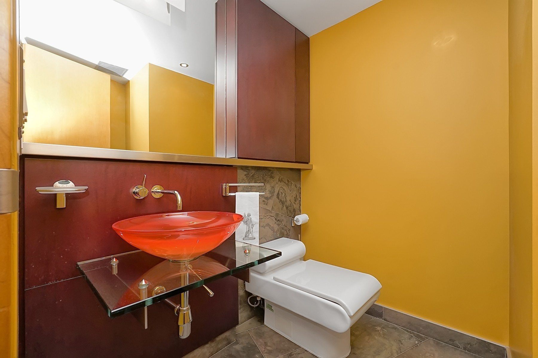 toronto-condo-for-sale-71-simcoe-street-6