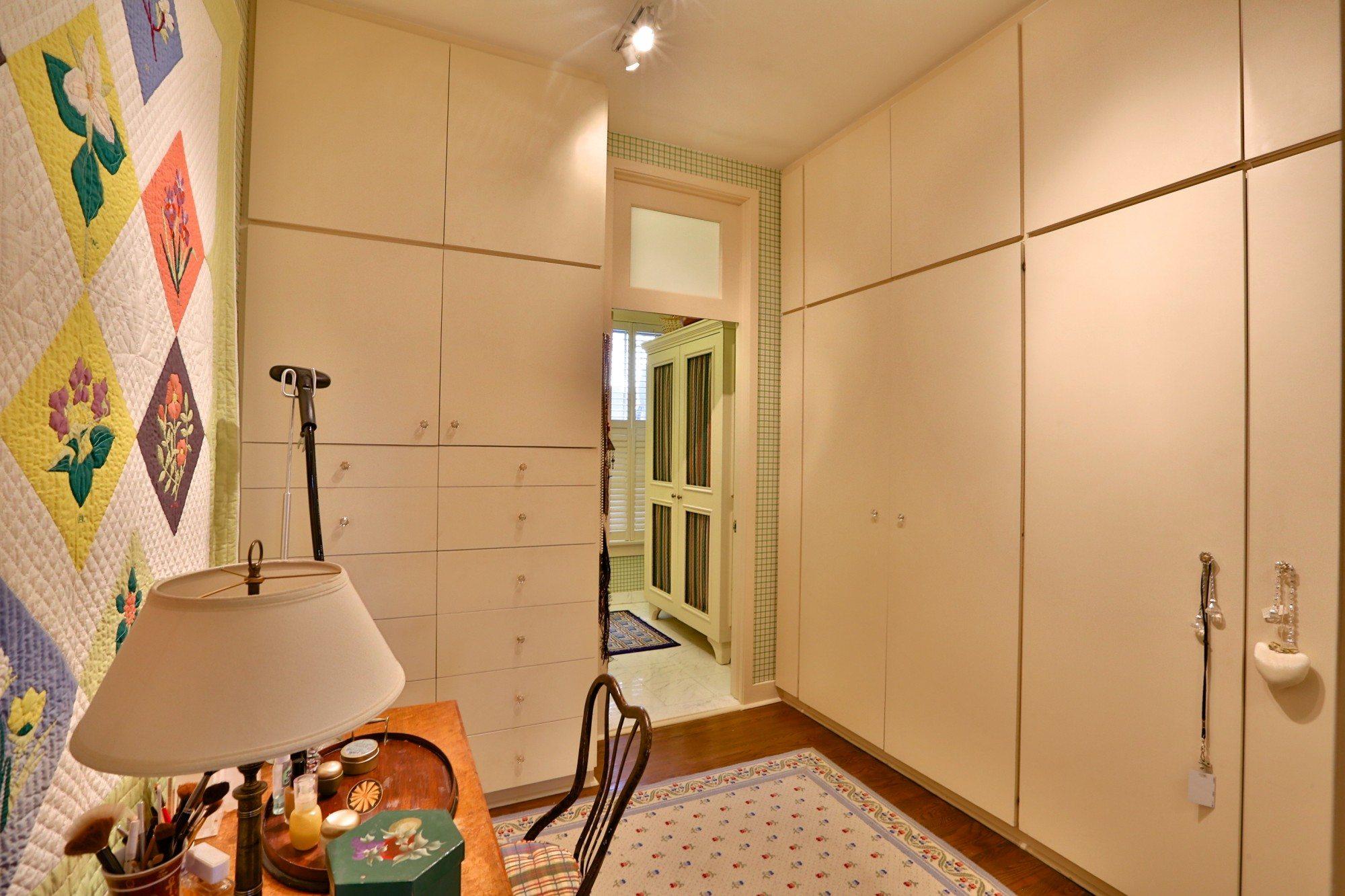 toronto-house-sold-25-bernard-avenue-11