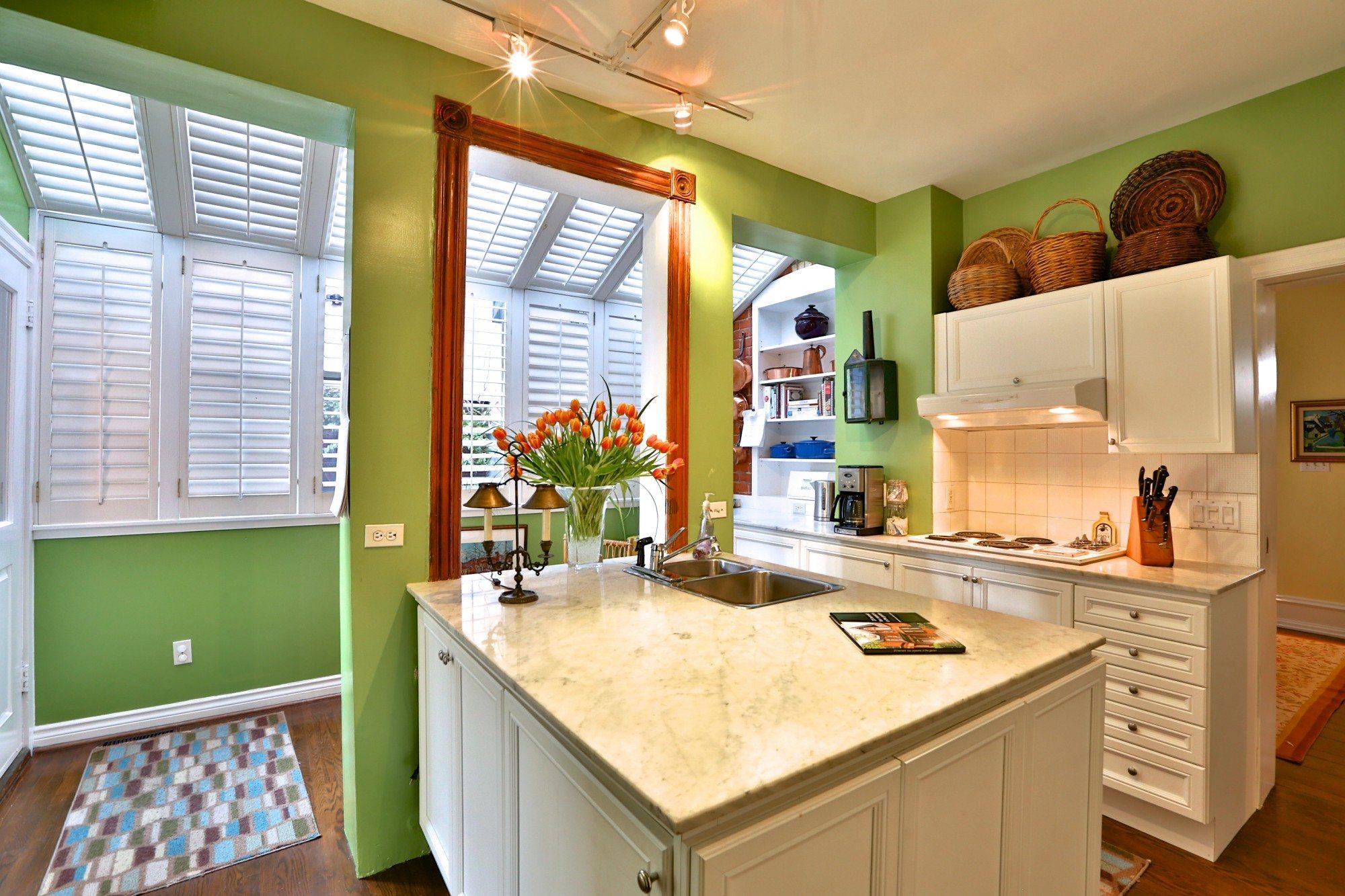 toronto-house-sold-25-bernard-avenue-5