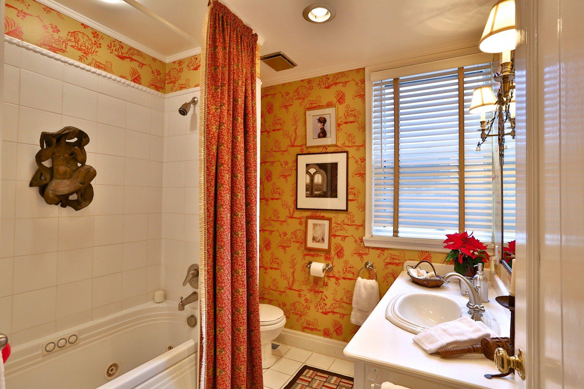 toronto-house-sold-25-bernard-avenue-9
