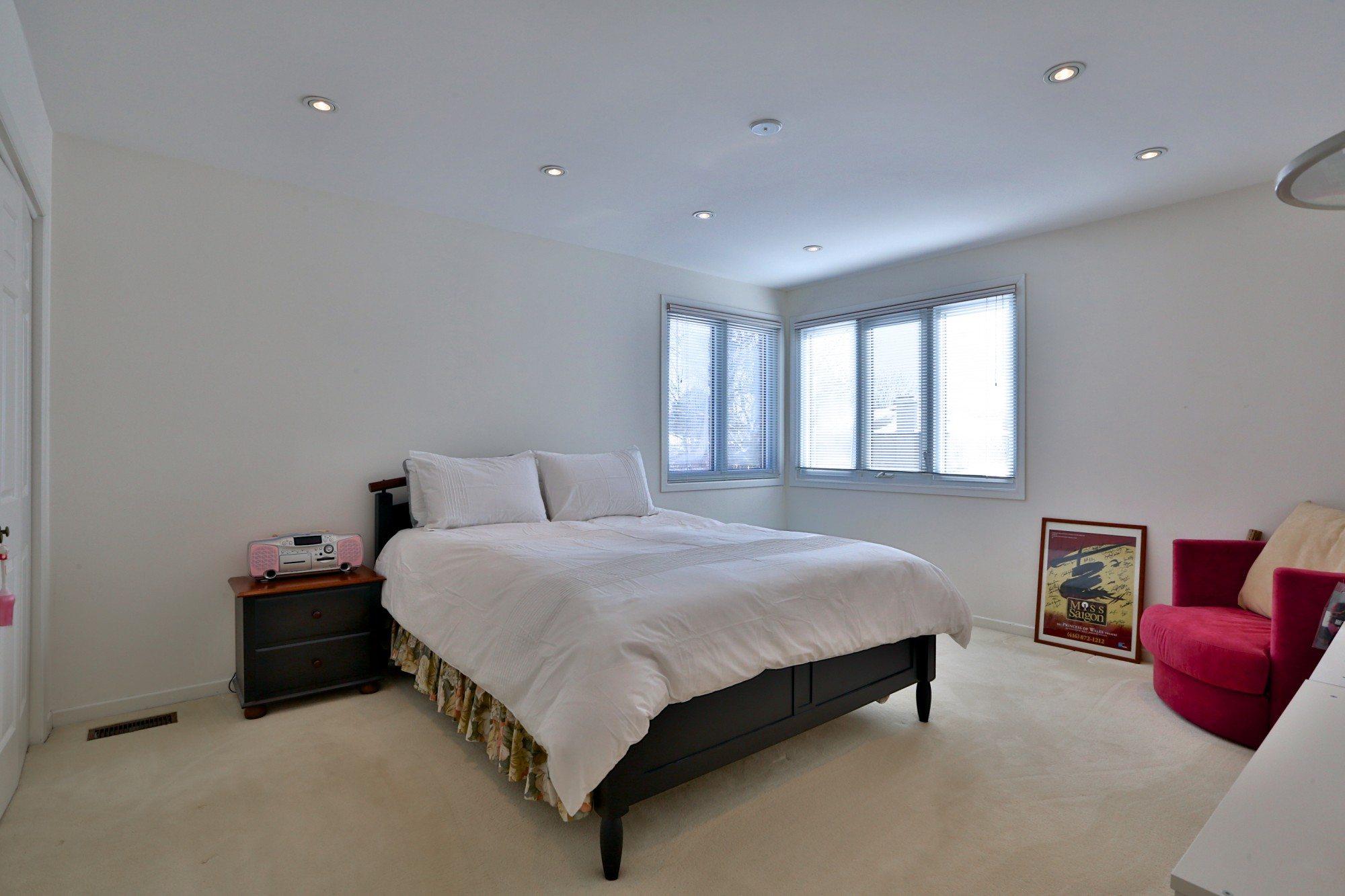 toronto-house-sold-6-debell-lane-9