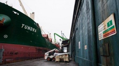 How Redpath refines a shipload of raw sugar
