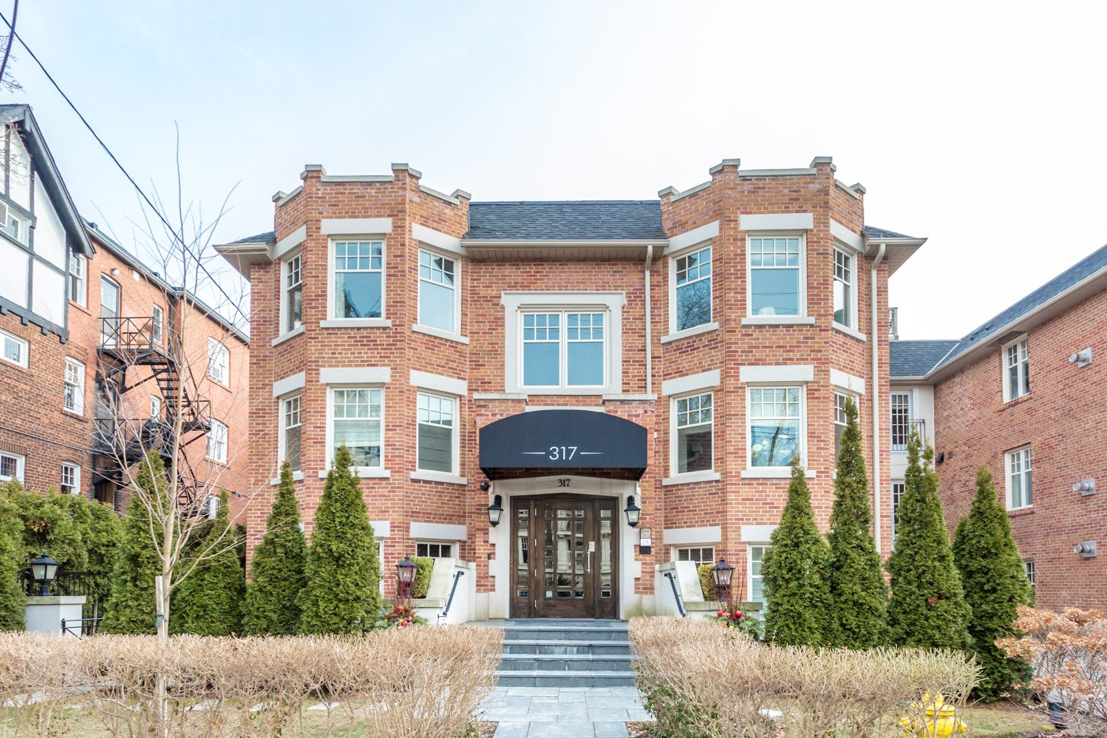 The condo for sale at 317 Lonsdale Road