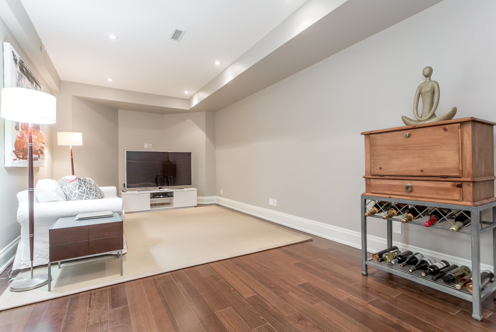 toronto-condo-for-sale-317-lonsdale-road-10