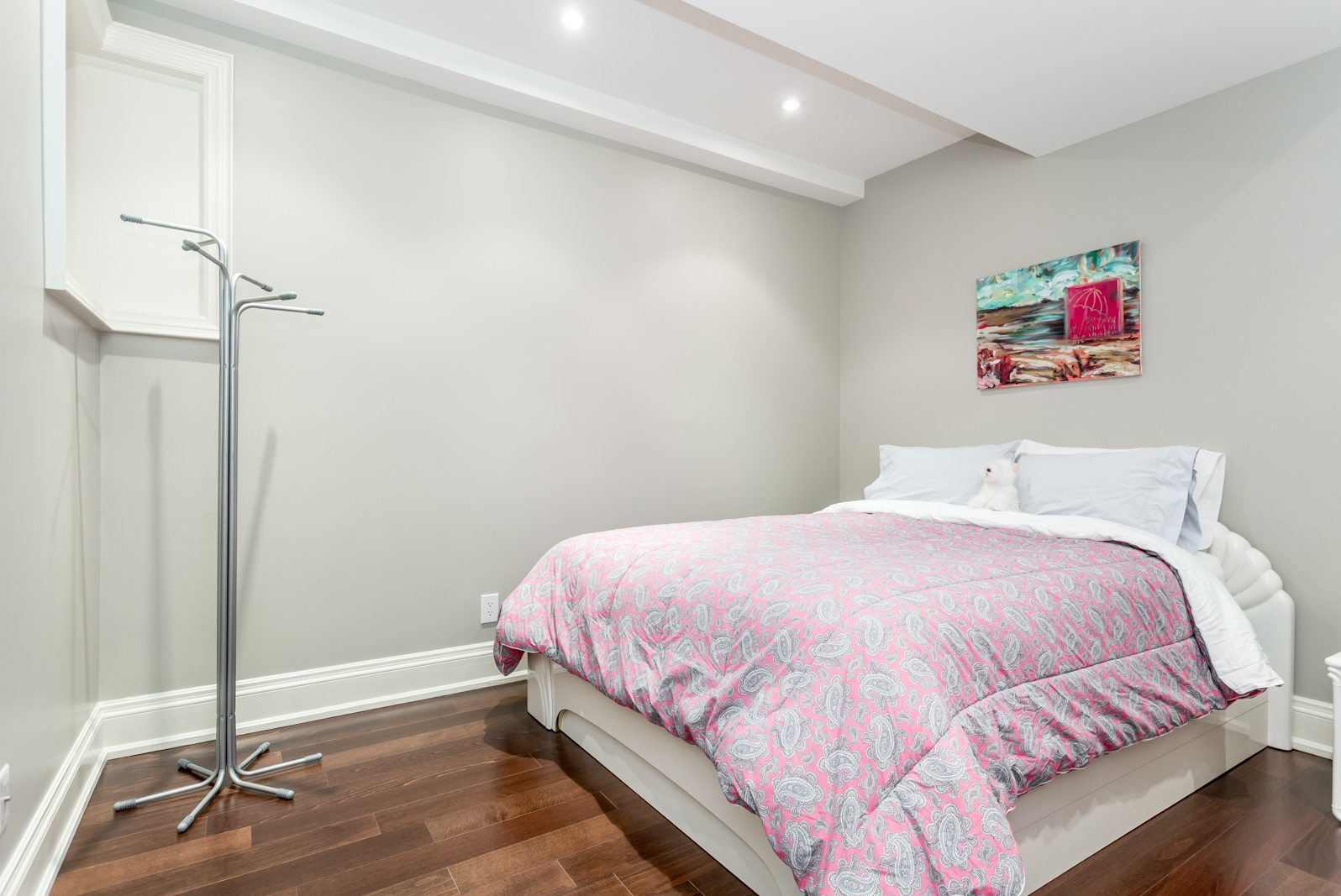 toronto-condo-for-sale-317-lonsdale-road-11