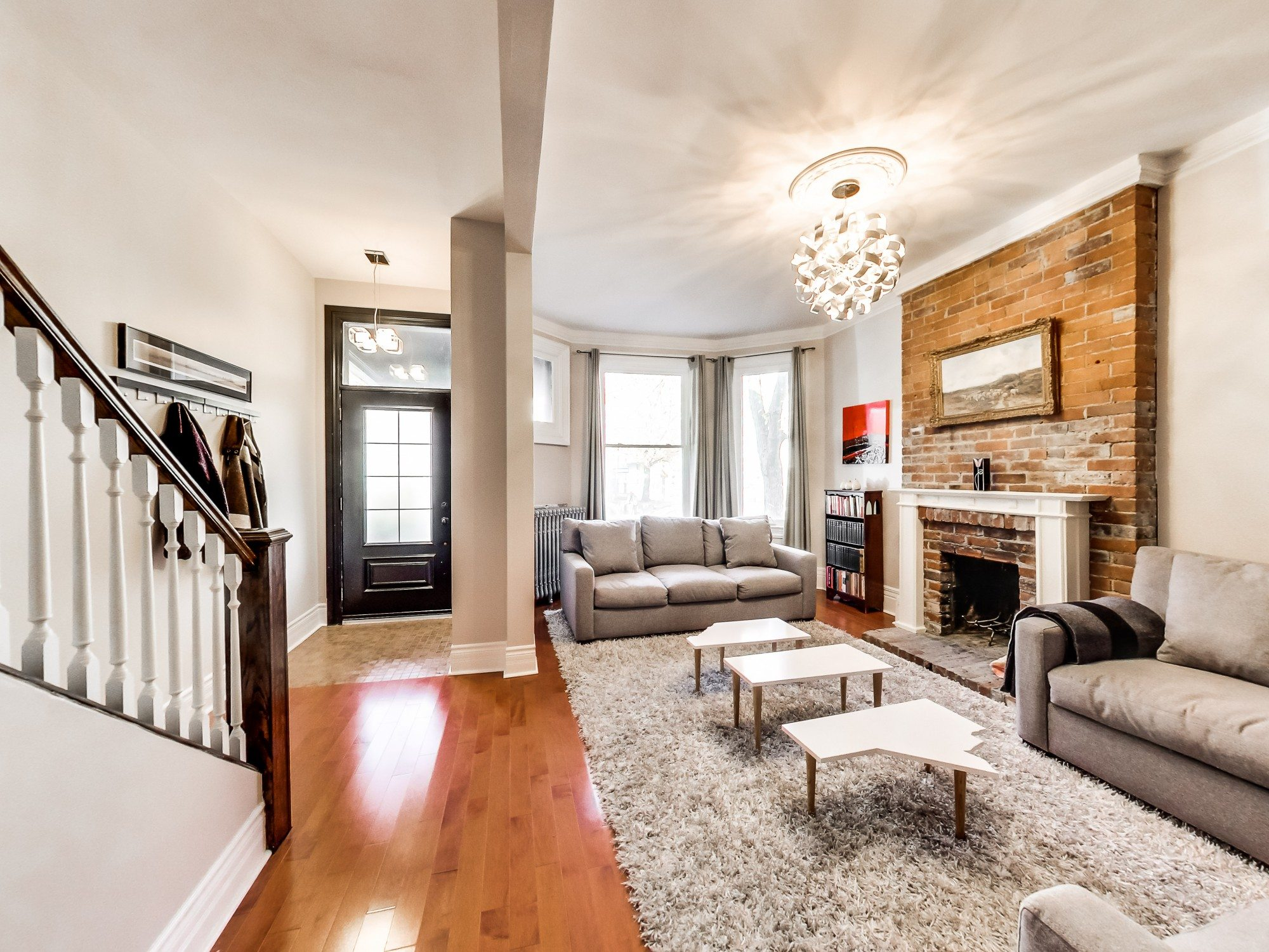 toronto-house-sold-59-sussex-avenue-2