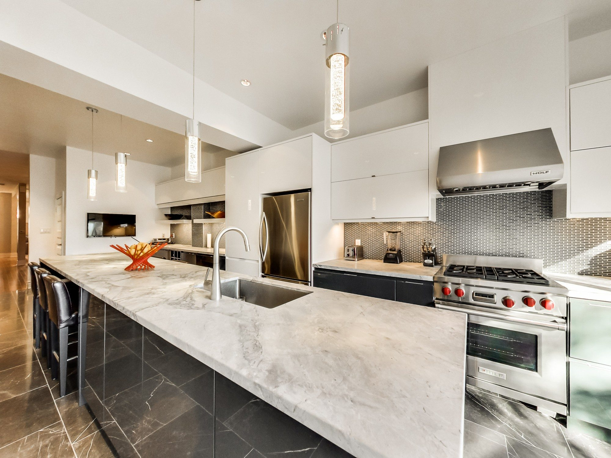 toronto-house-sold-59-sussex-avenue-7