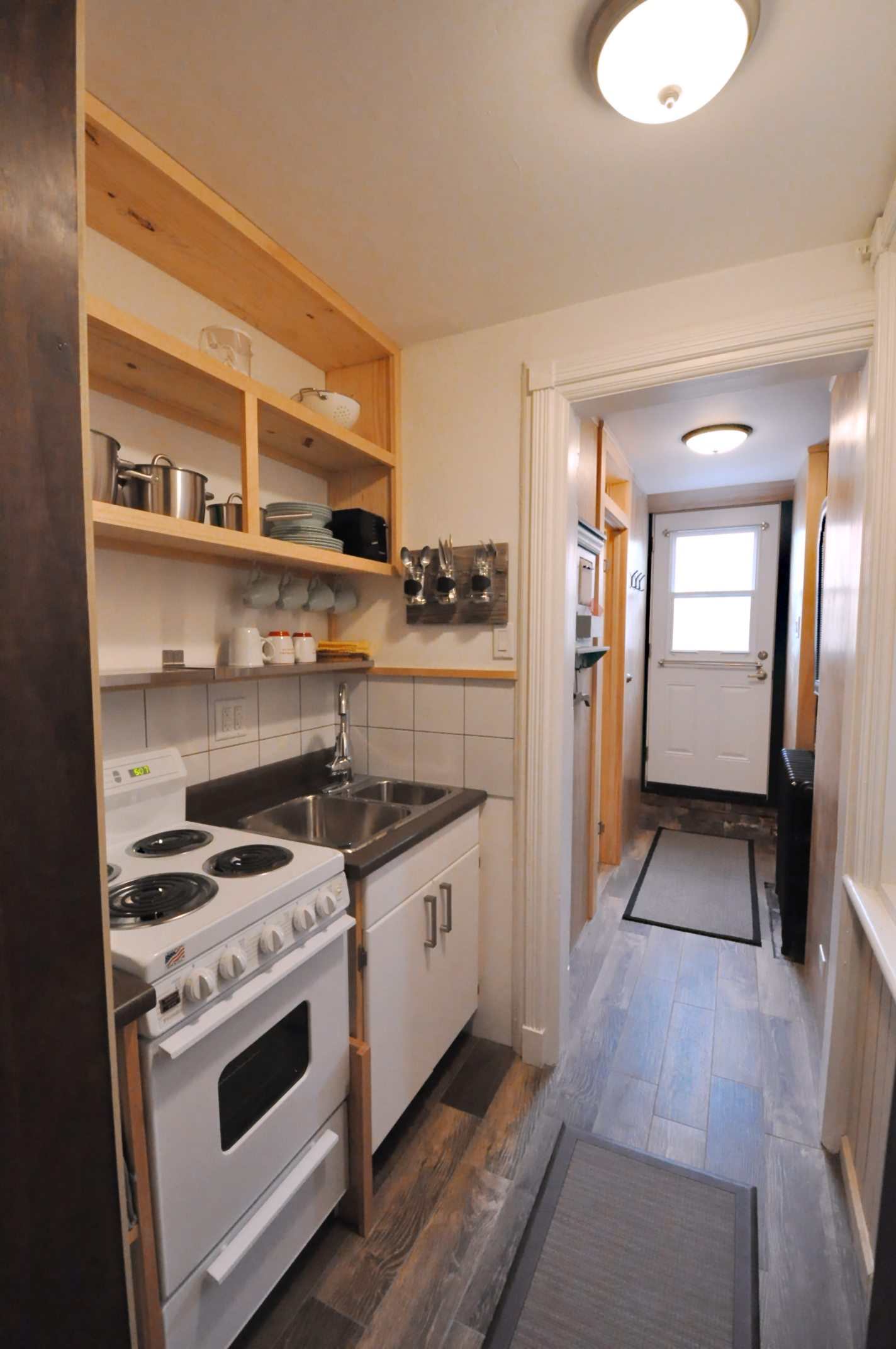 toronto-house-sold-654-queen-street-west-4