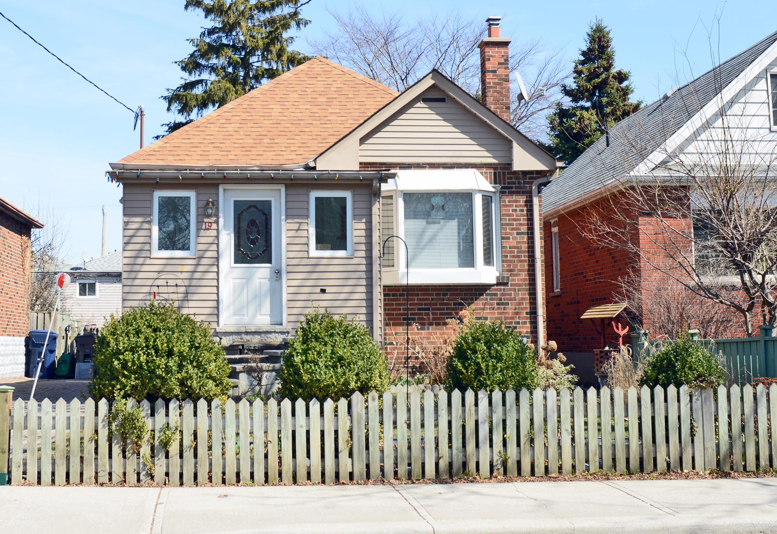 The Chase: Kid-friendly Mimico bungalow