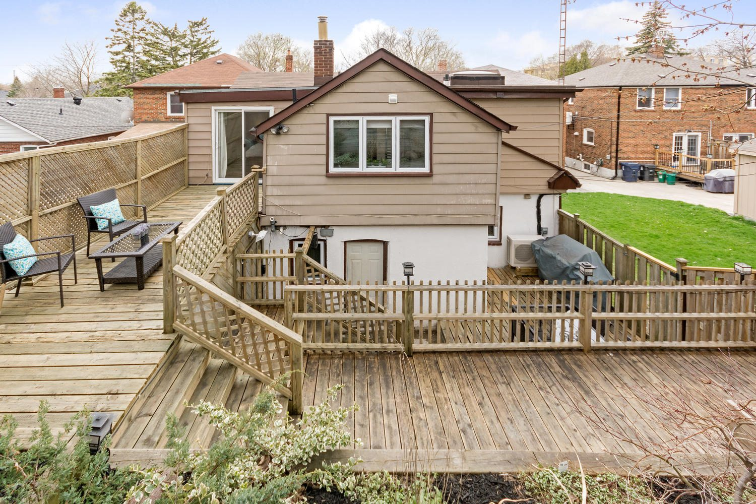 toronto-house-sold-125-highfield-road-11