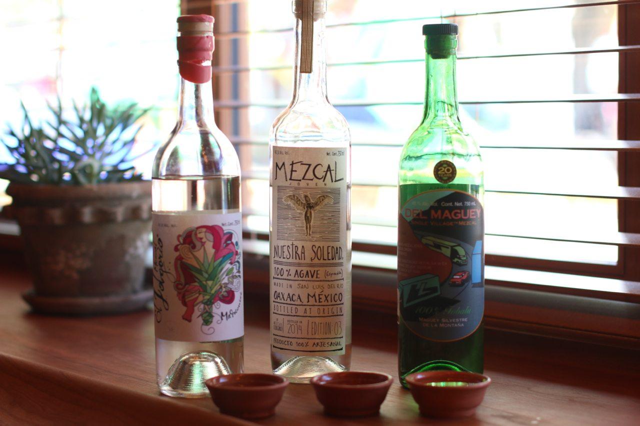 toronto-restaurants-bars-el-rey-mezcal-bar-grant-van-gameren-kensington-market-tasting-flight