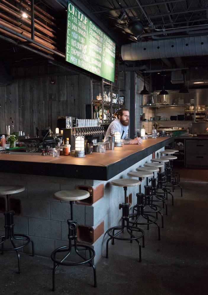 toronto-restaurants-bars-mascot-eatery-brewery-king-west-bar-2