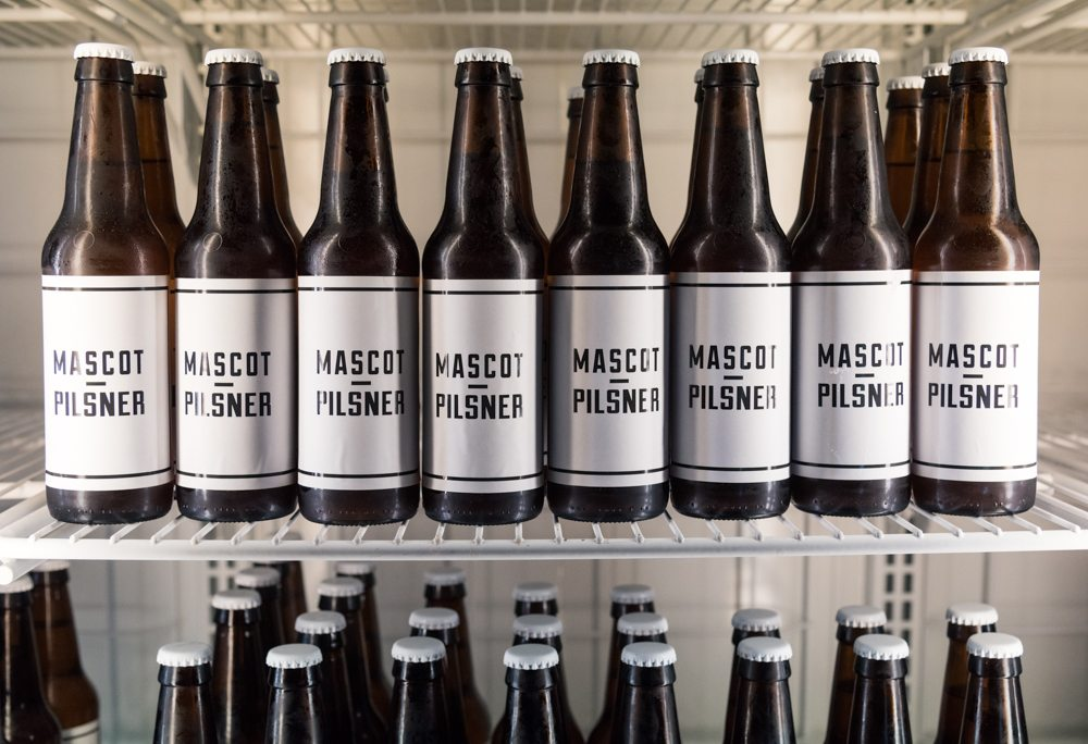 toronto-restaurants-bars-mascot-eatery-brewery-king-west-beer-retail