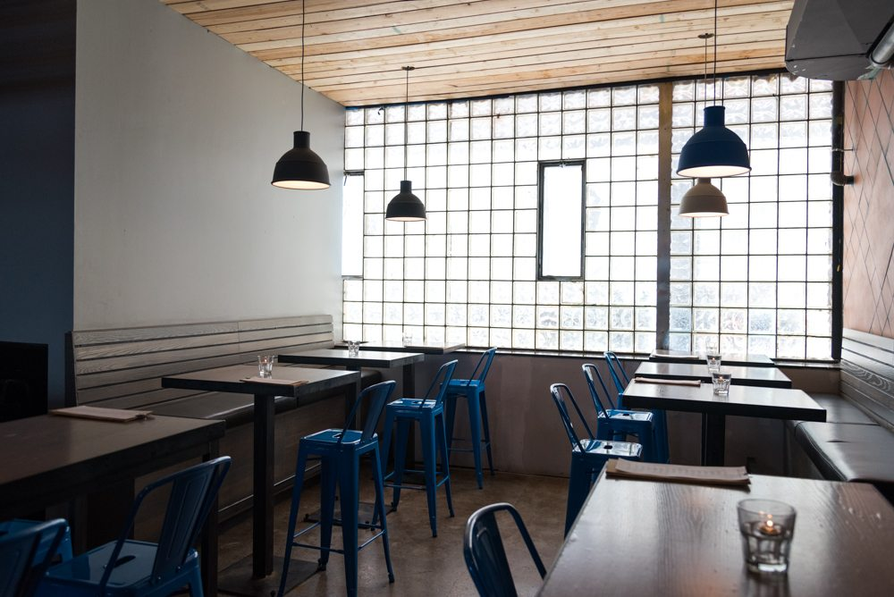 toronto-restaurants-bars-mascot-eatery-brewery-king-west-dining-room-1