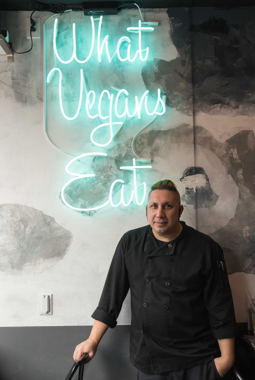 toronto-restaurants-doomies-vegan-parkdale-chef