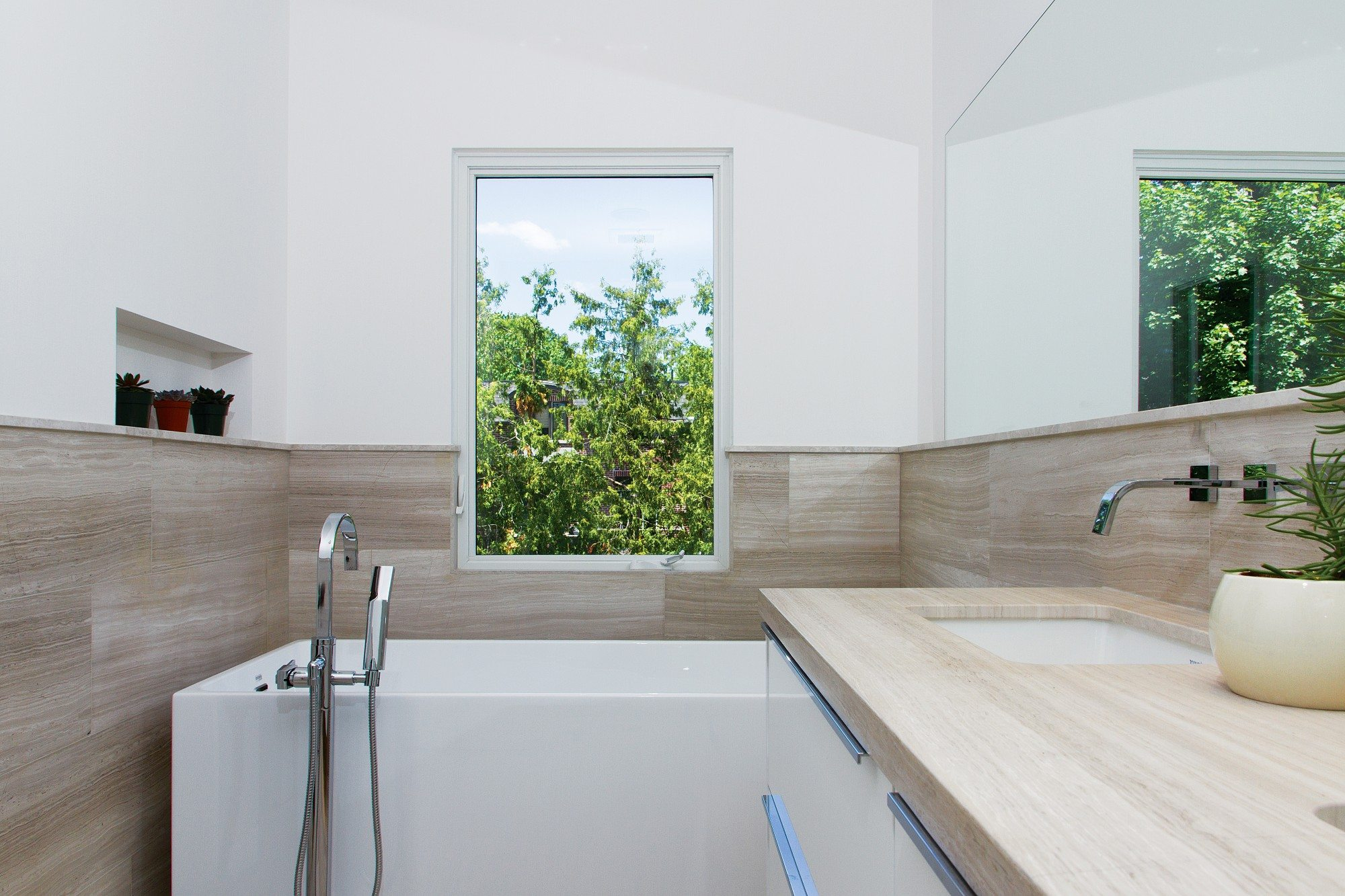 toronto-house-for-sale-82-divadale-drive-12