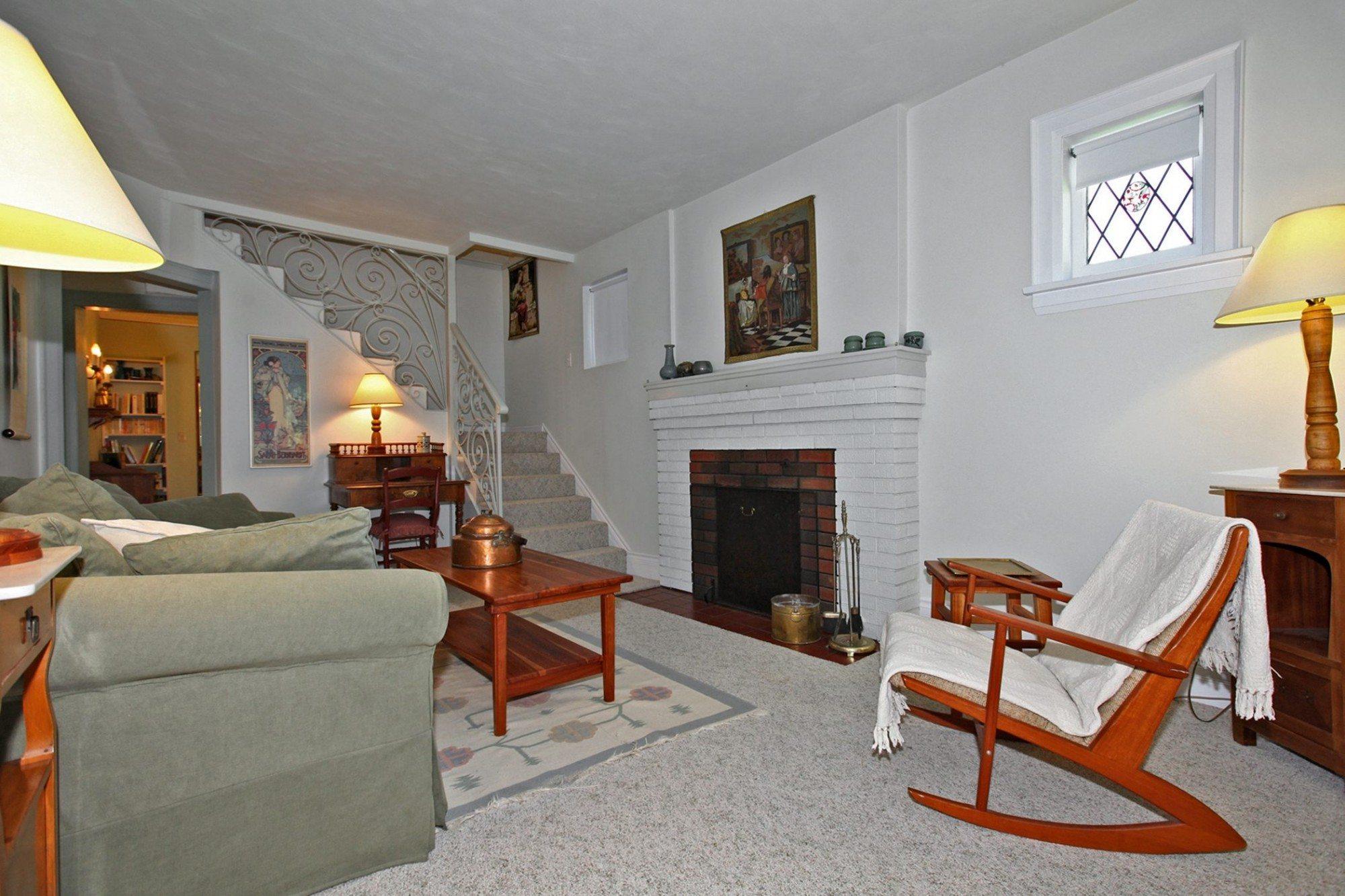 toronto-house-sold-203-ellerslie-avenue-2