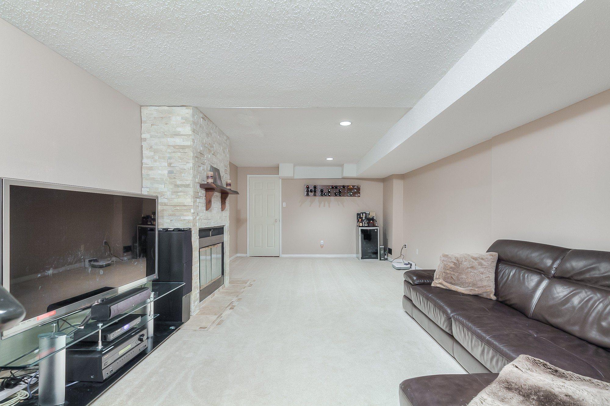toronto-house-sold-603-roehampton-avenue-11