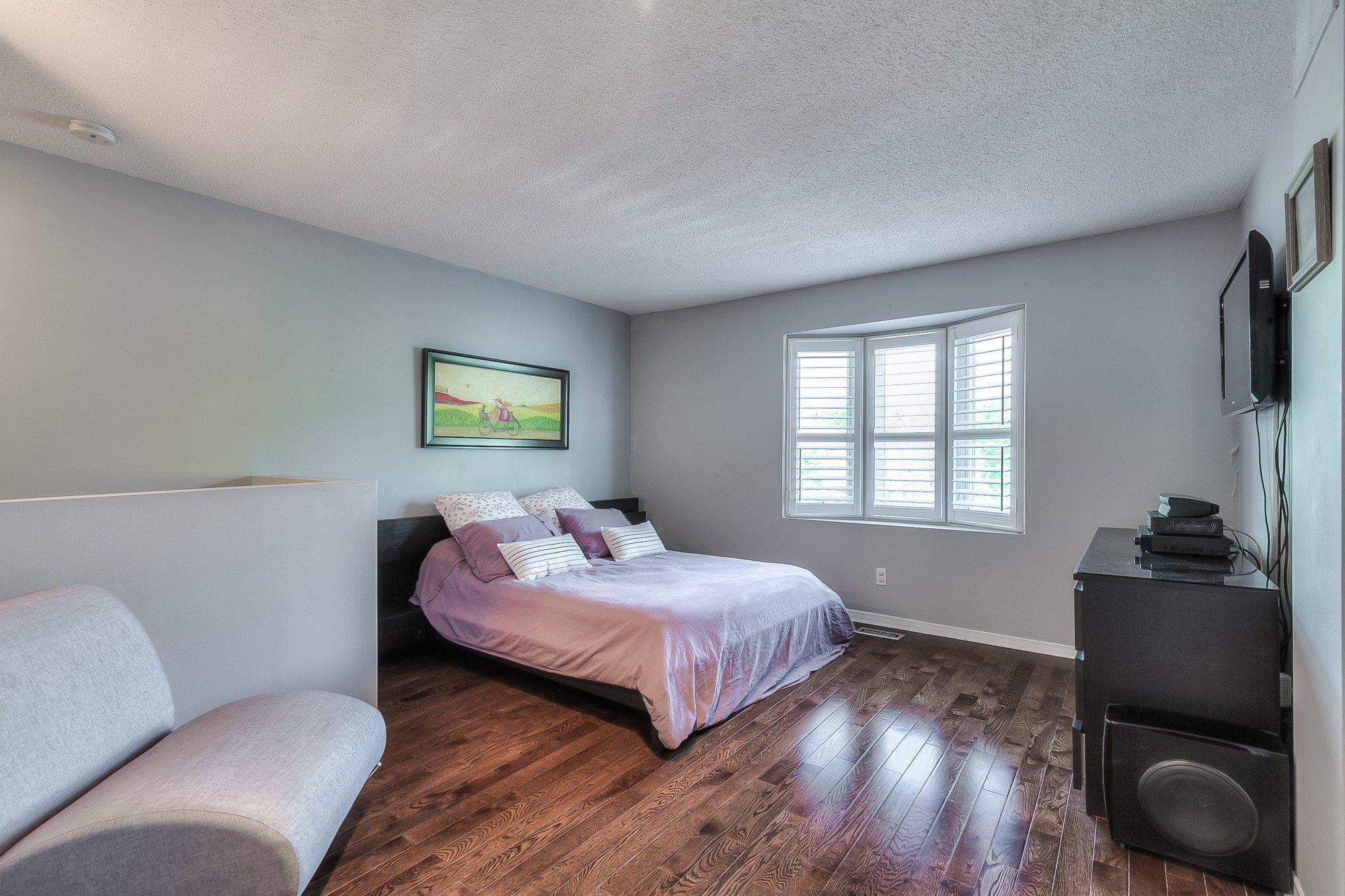 toronto-house-sold-603-roehampton-avenue-8