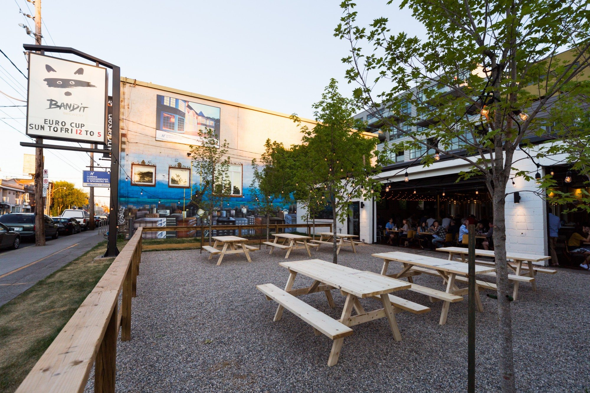 toronto-restaurants-bars-best-new-patios-guide-2016-bandit-brewery-2-roncesvalles