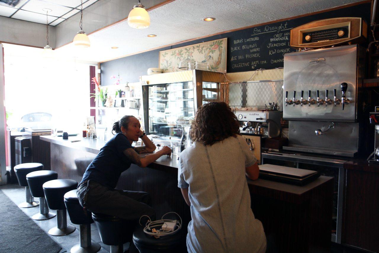 toronto-restaurants-skyline-diner-parkdale-bar-counter