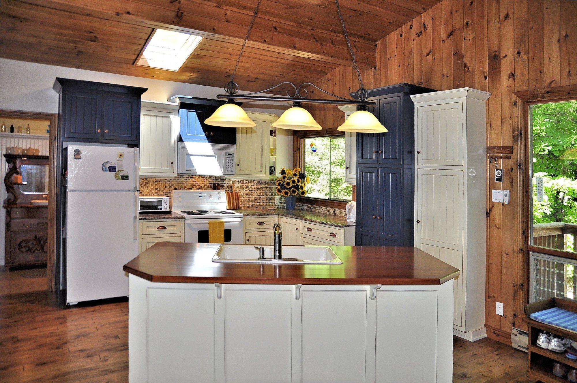 kawartha-lakes-cottage-for-sale-315-crego-lake-road-2
