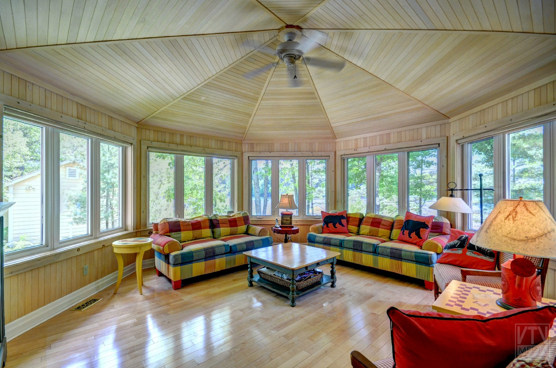milford-bay-cottage-for-sale-1022-milford-manor-road-11