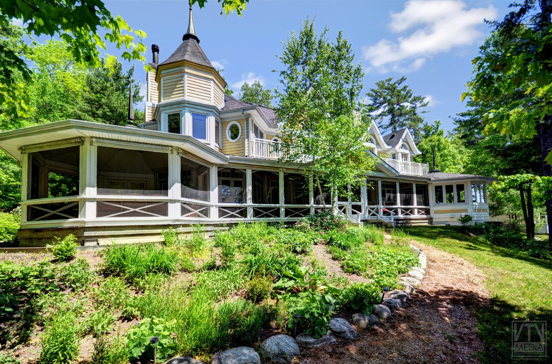 milford-bay-cottage-for-sale-1022-milford-manor-road-13