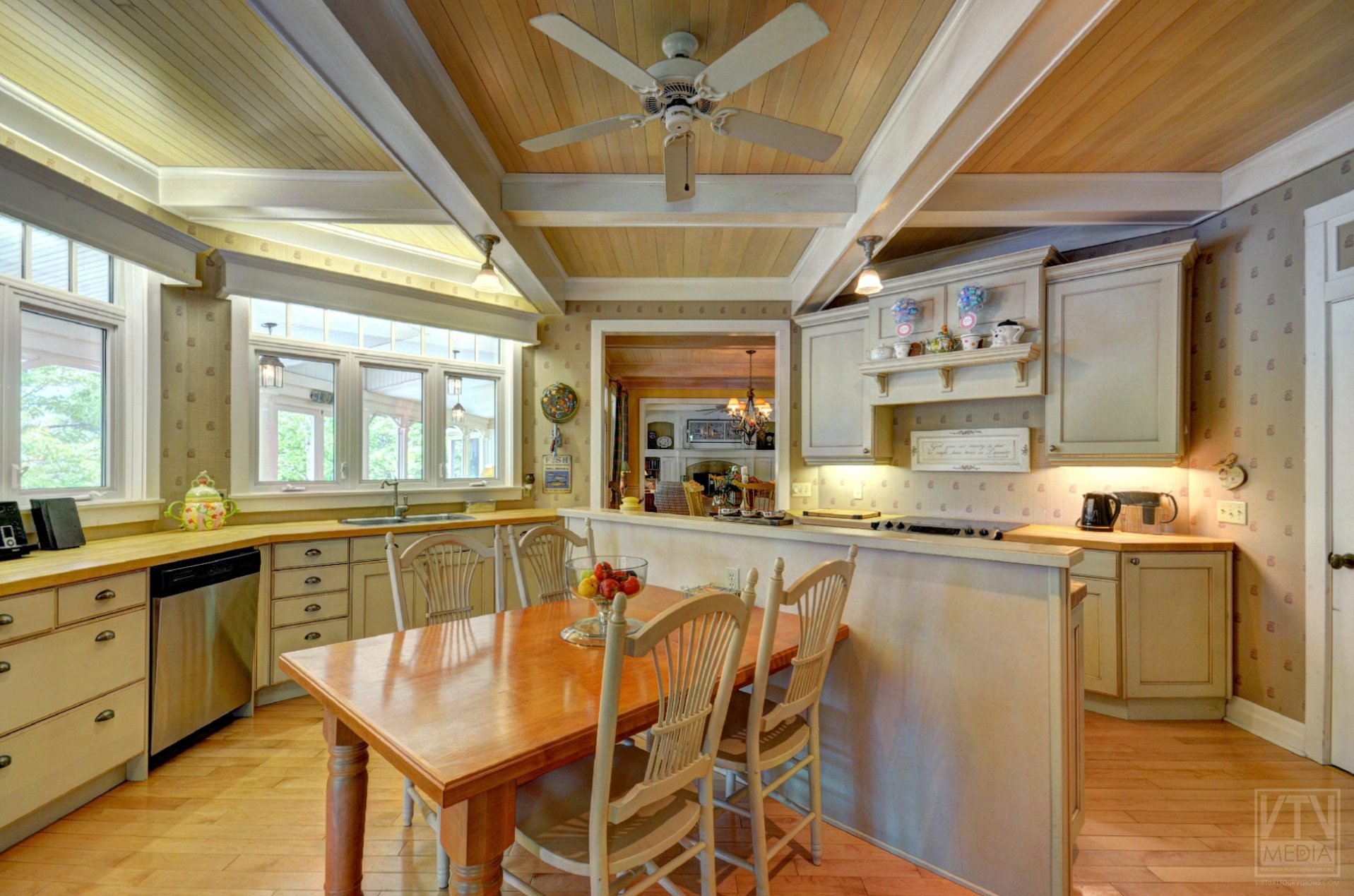 milford-bay-cottage-for-sale-1022-milford-manor-road-2