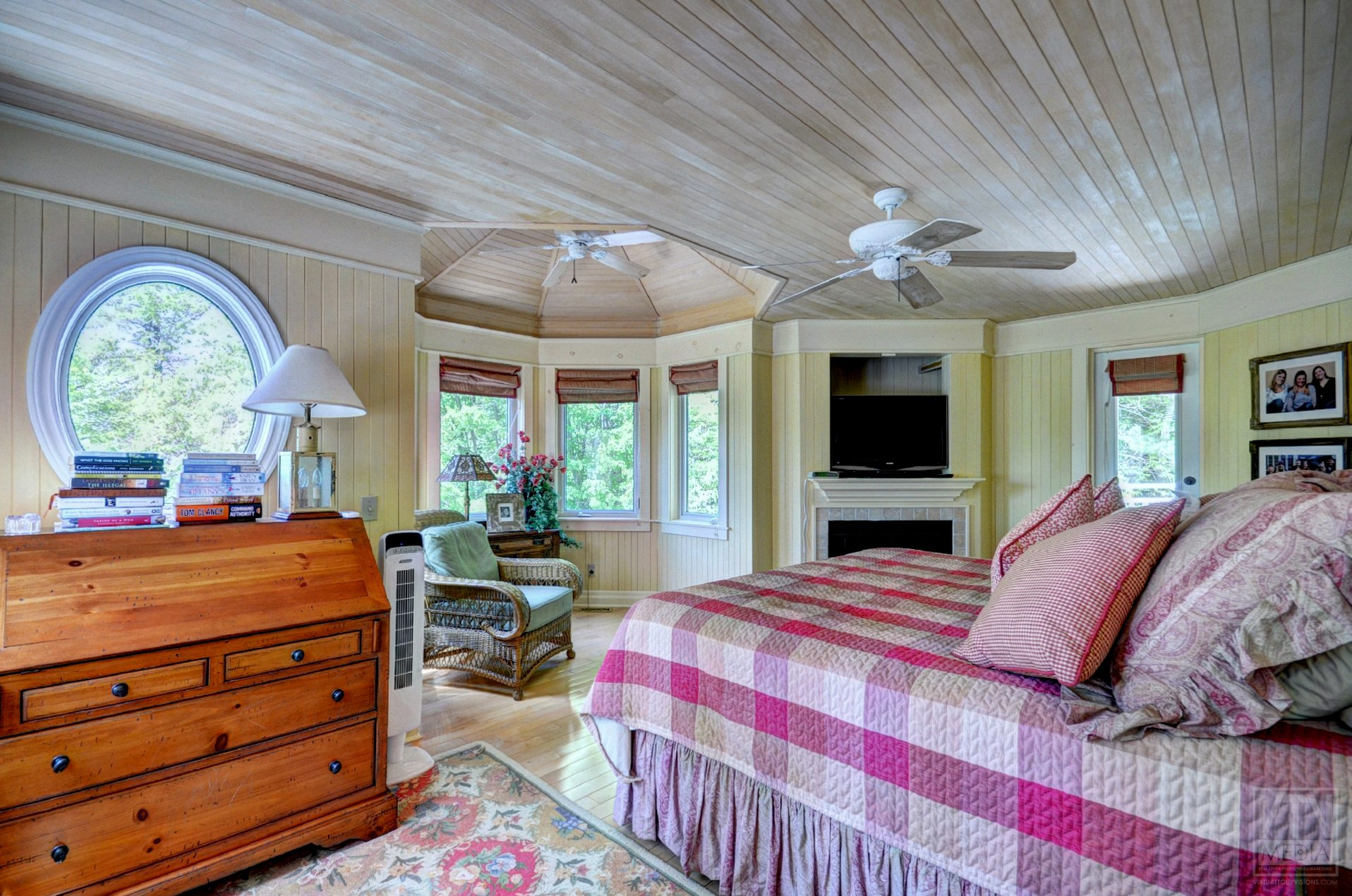 milford-bay-cottage-for-sale-1022-milford-manor-road-9
