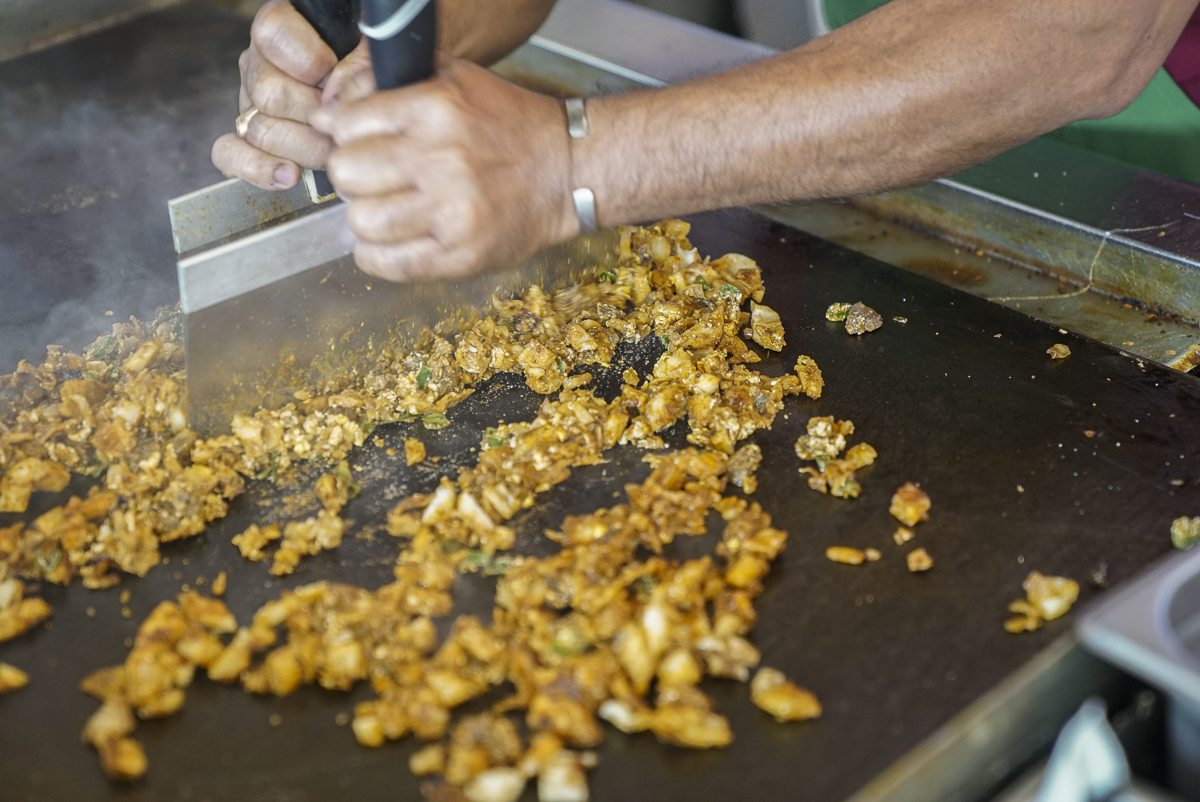 toronto-chefs-in-the-burbs-johnne-phinehas-sri-lankan-scarborough-martins-bakery-mutton-kothu-roti-prep-2