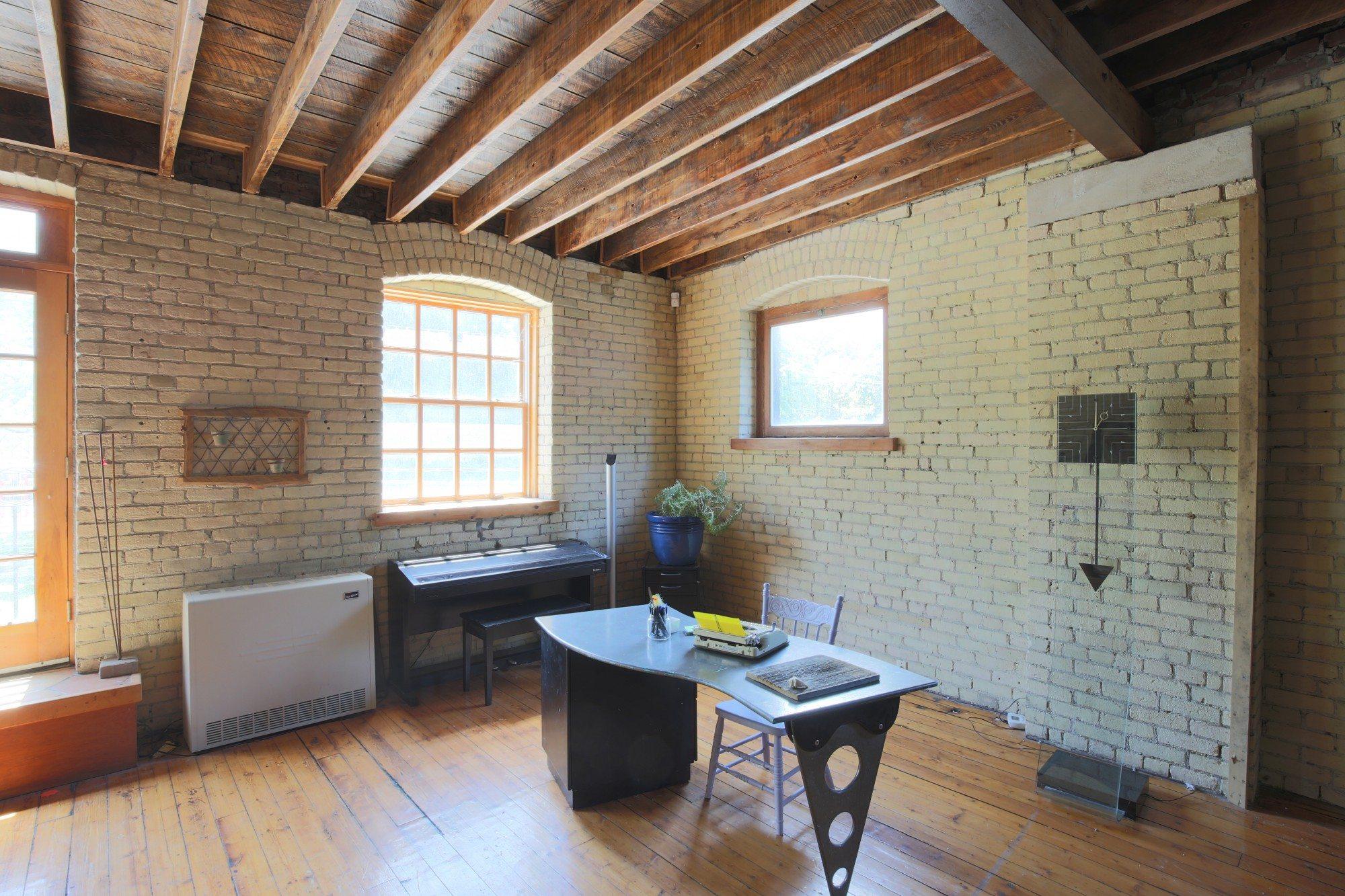 toronto-house-for-sale-154-shuter-street-10