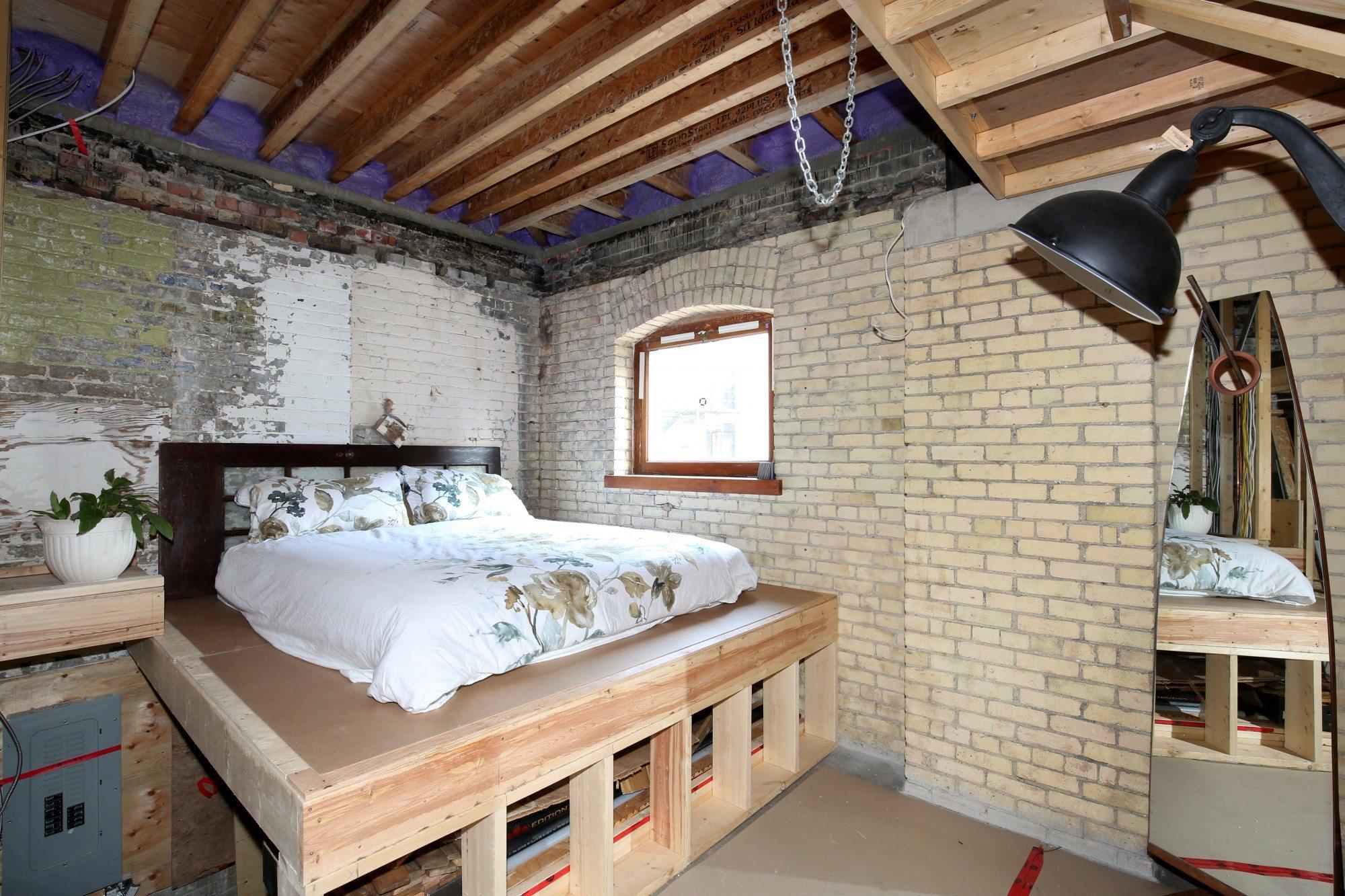 toronto-house-for-sale-154-shuter-street-11