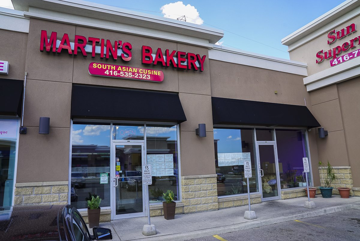 toronto-restaurants-chefs-in-the-burbs-johnne-phinehas-sri-lankan-scarborough-martins-bakery-exterior