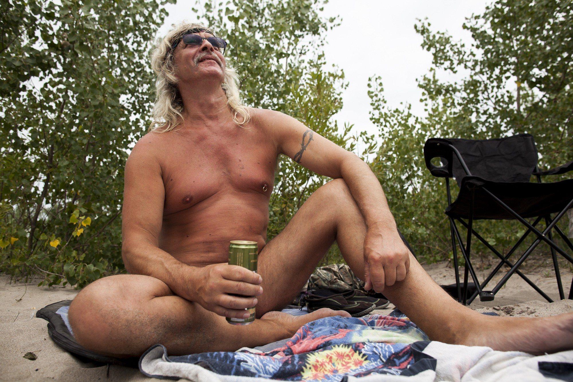 toronto-streeters-hanlans-point-nude-beach-clothing-optional-gene-dare