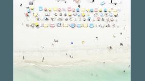 This Toronto photographer takes stunning bird's-eye shots of the world's best beaches