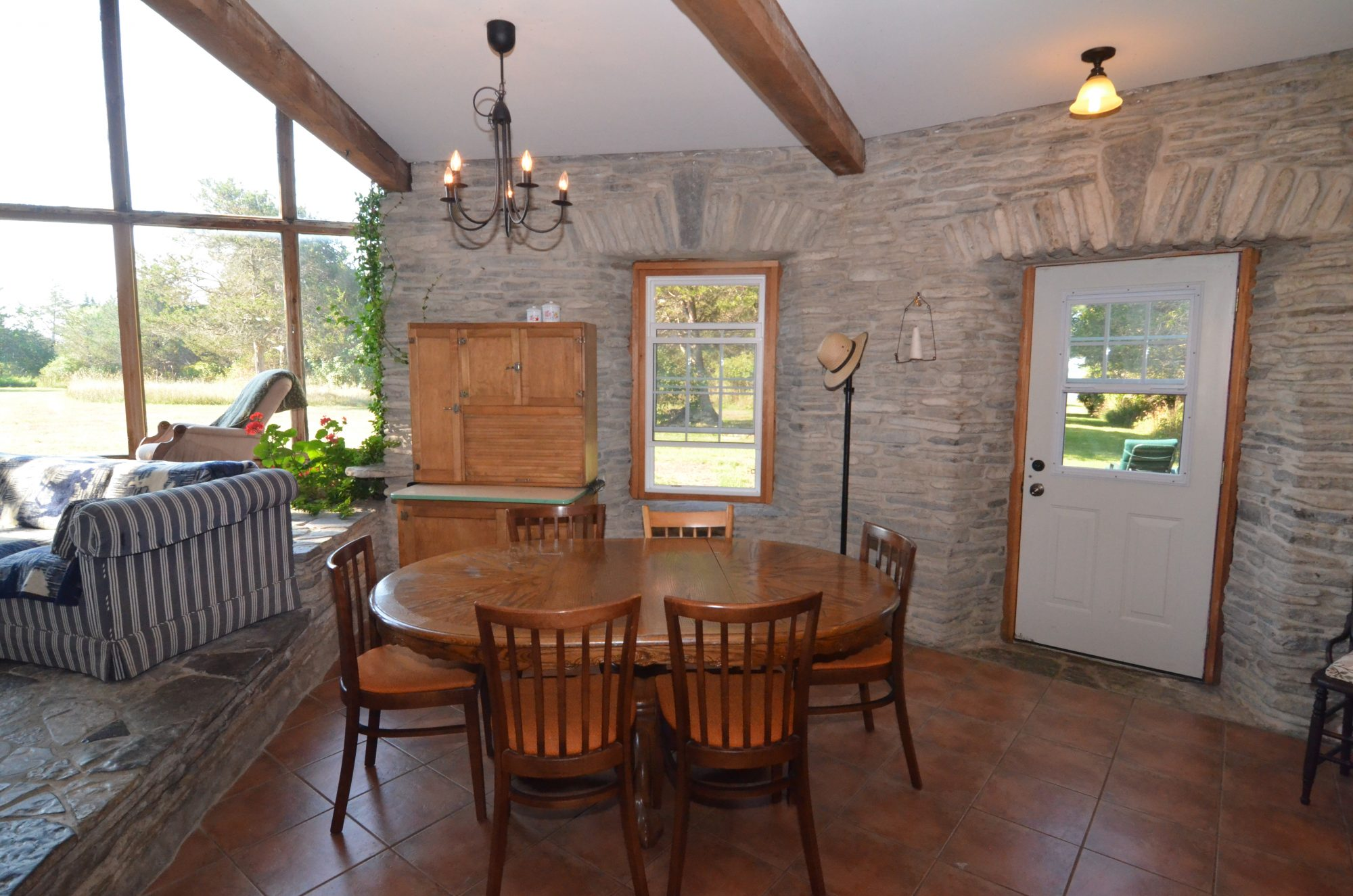 amherst-island-cottage-for-sale-9350-second-concession-road-2