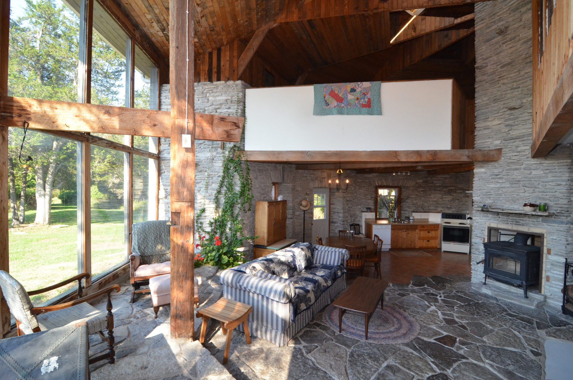 amherst-island-cottage-for-sale-9350-second-concession-road-3