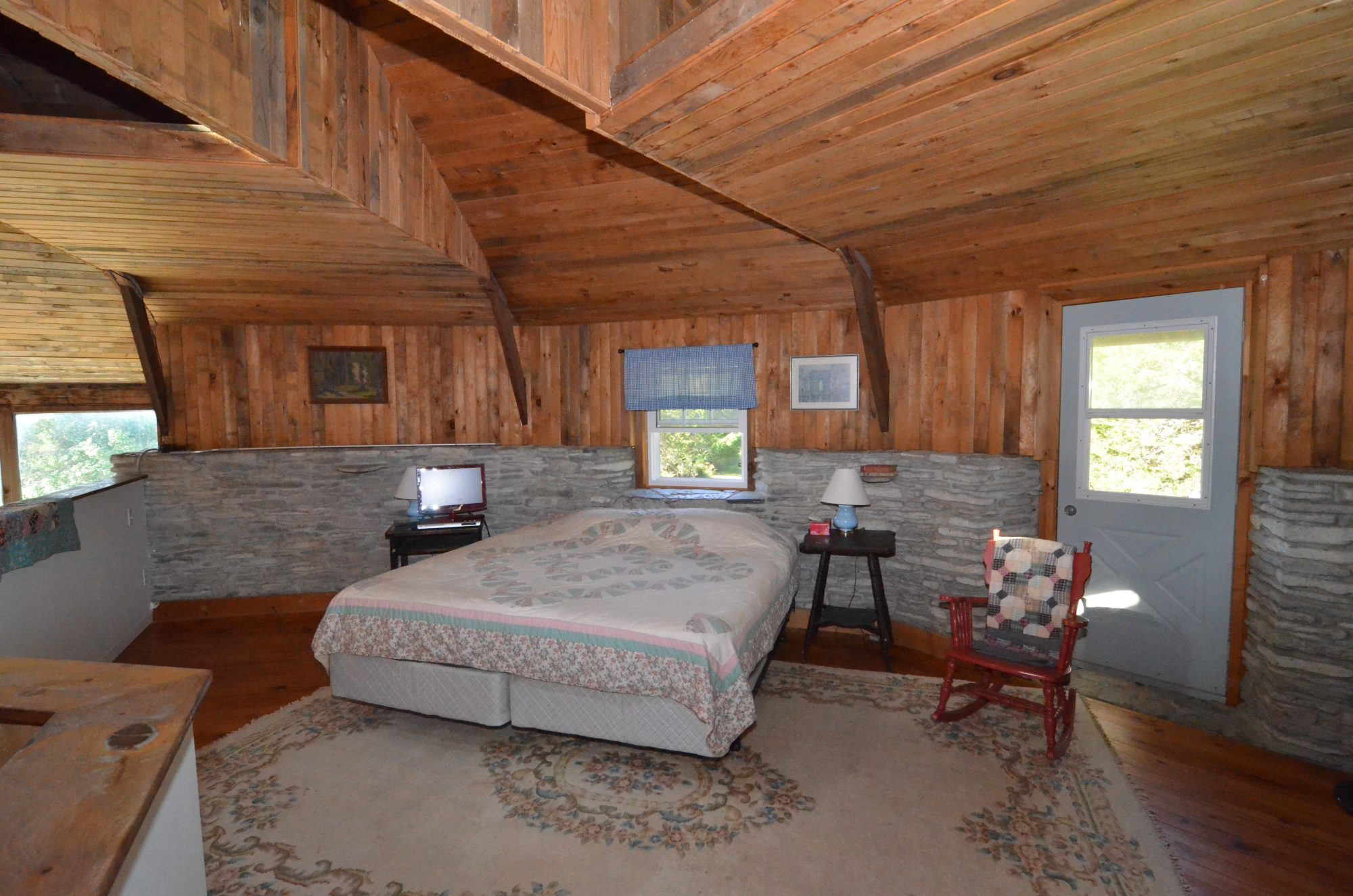 amherst-island-cottage-for-sale-9350-second-concession-road-7